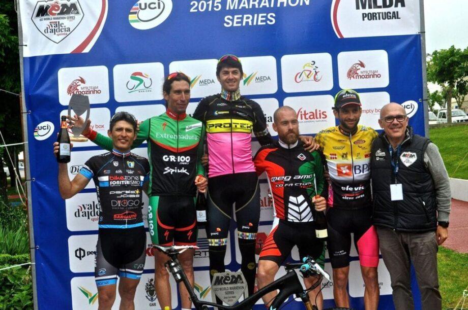 Tiago Ferreira vence a Meda100 Marathon podio