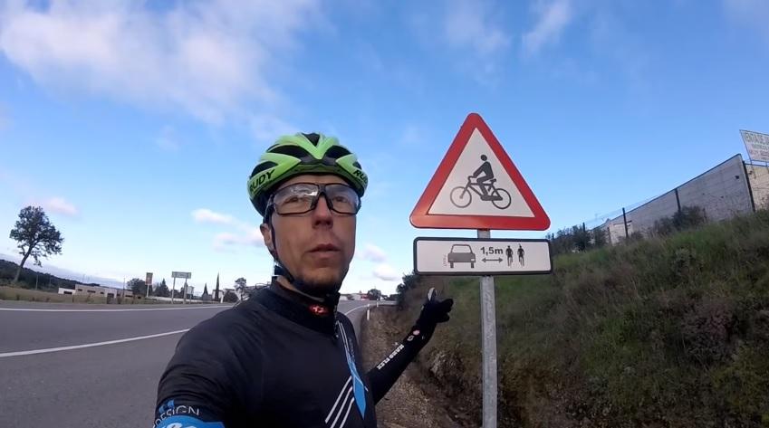 Um Sinal de Respeito pelos ciclistas