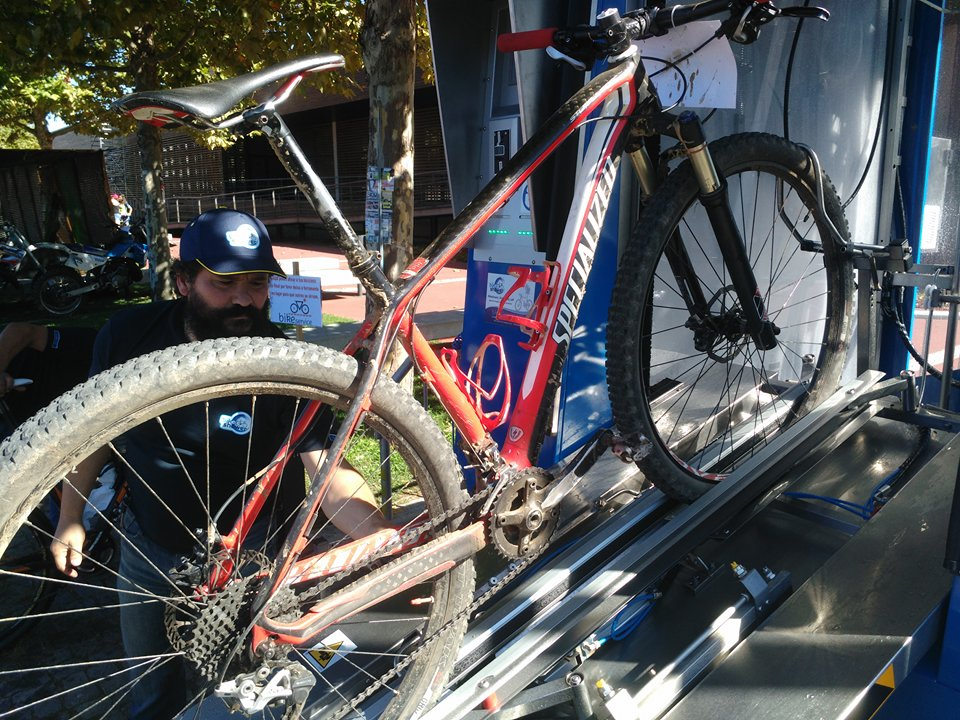 bikeshower 1