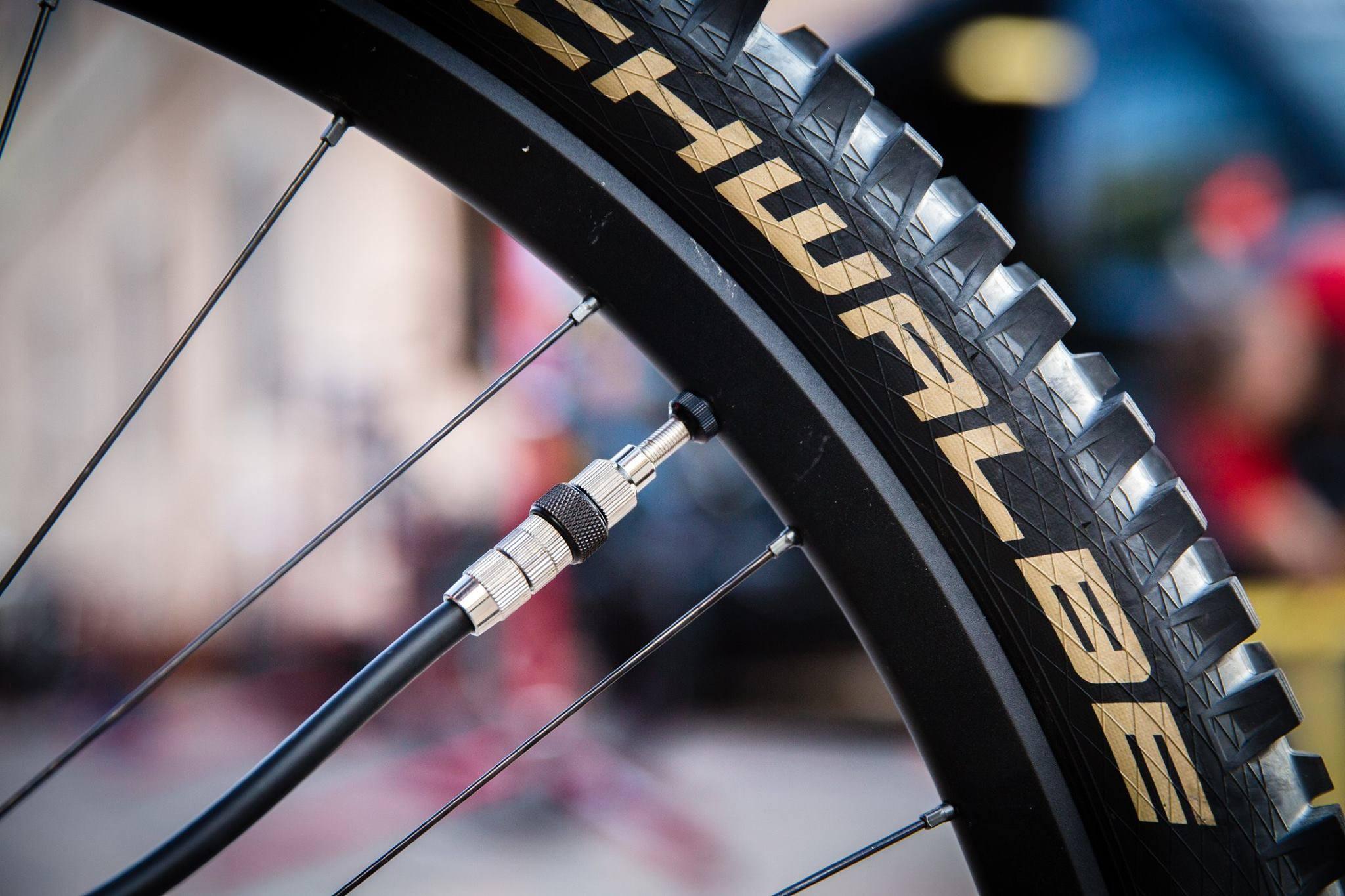 Schwalbe Tire Booster (1)