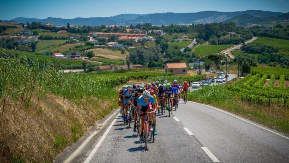 9674e8f376 Os corredores com 15 e 16 anos regressam à estrada para homenagear uma das  principais estrelas do ciclismo português de todos os tempos.