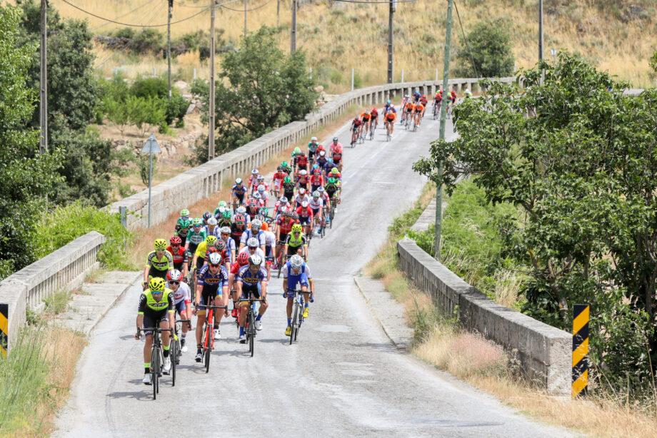 Antonio Angulo vence terceira etapa do Grande Prémio Abimota e reforça liderança da geral