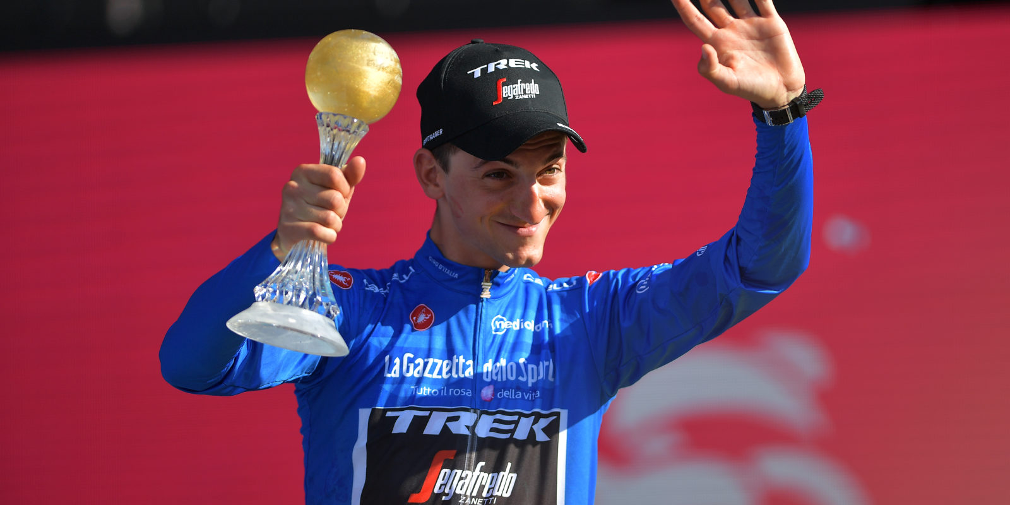 Giulio Ciccone, da equipa Trek-Segafredo, vence a Camisola Azul do Giro d'Italia