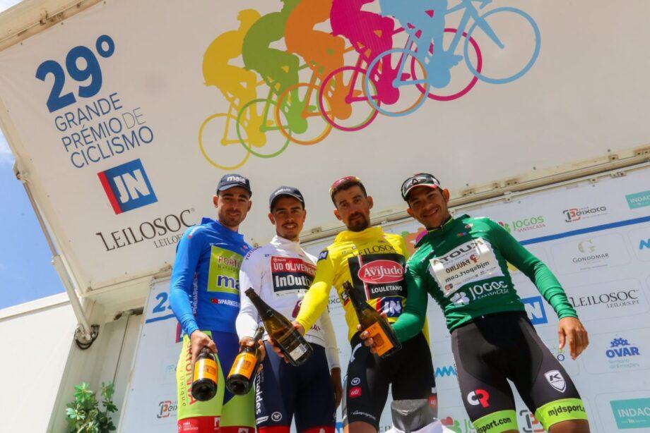 Vicente García de Mateos ganha etapa e veste amarela