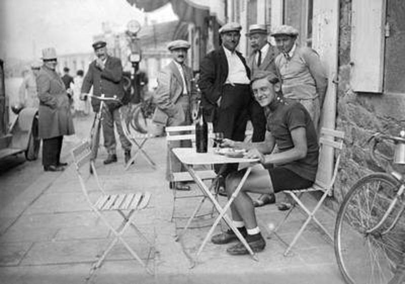 Um dia de Amarelo no Tour de France - Max Bulla
