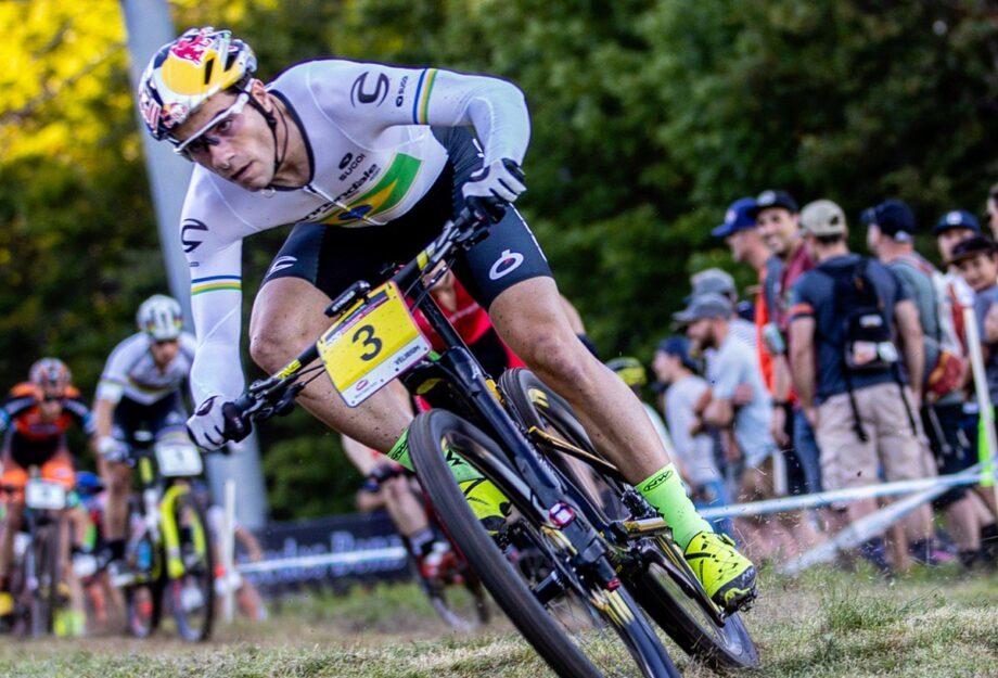 Ganhar corrida é fácil, difícil é treinar - Henrique Avancini