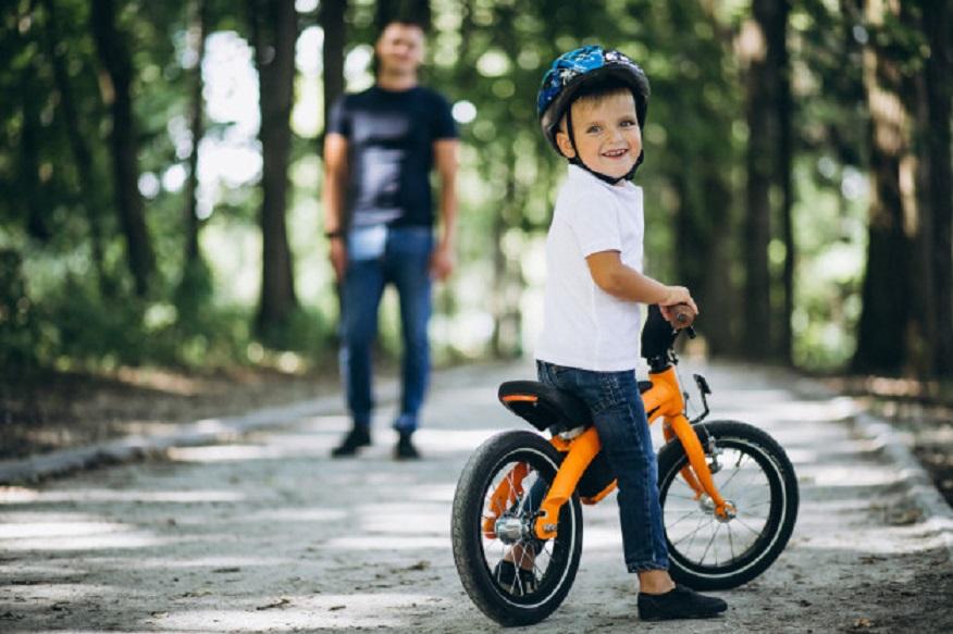 Cofidis abre curso para ensinar crianças e adultos a andar de bicicleta