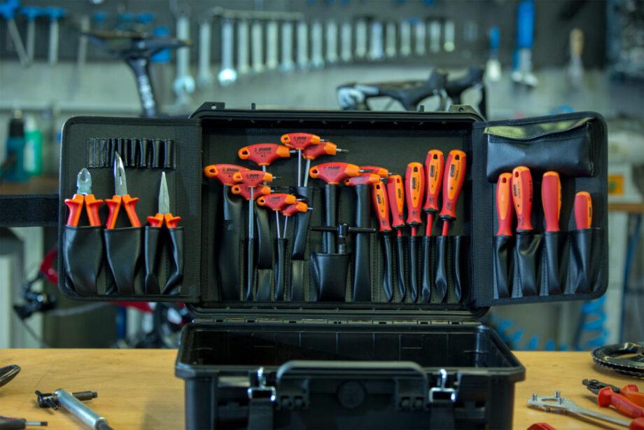 Team Ineos usará ferramentas vermelhas da Unior