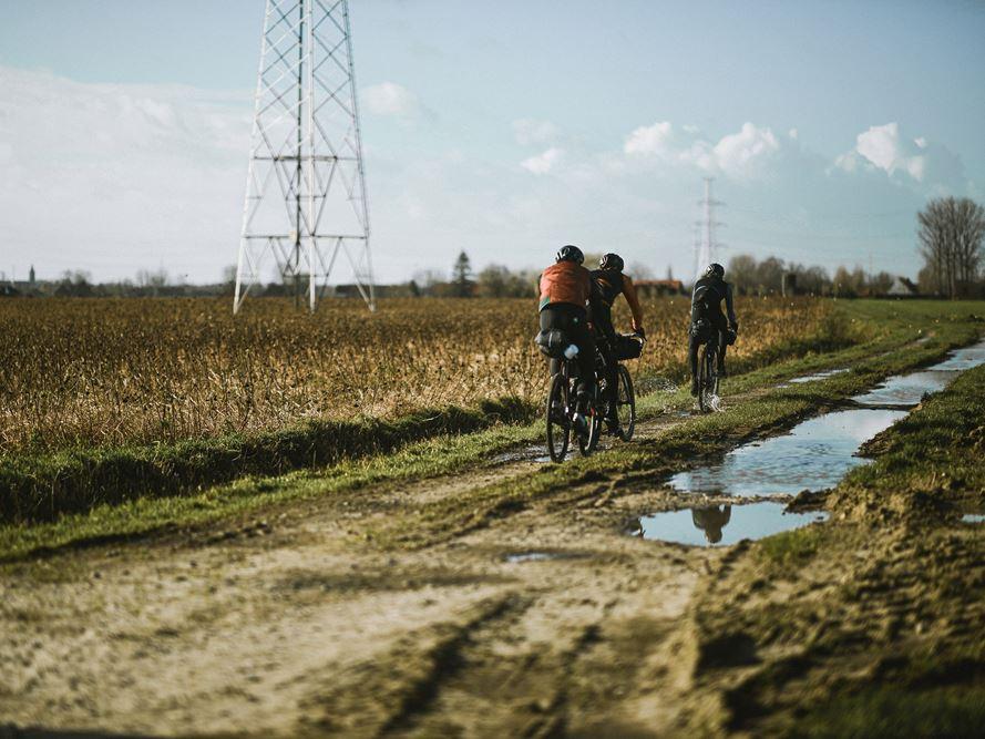 """Tour de Flandres em Gravel: A Shimano e Laurens Ten Dam mostram a """"Alternative"""""""