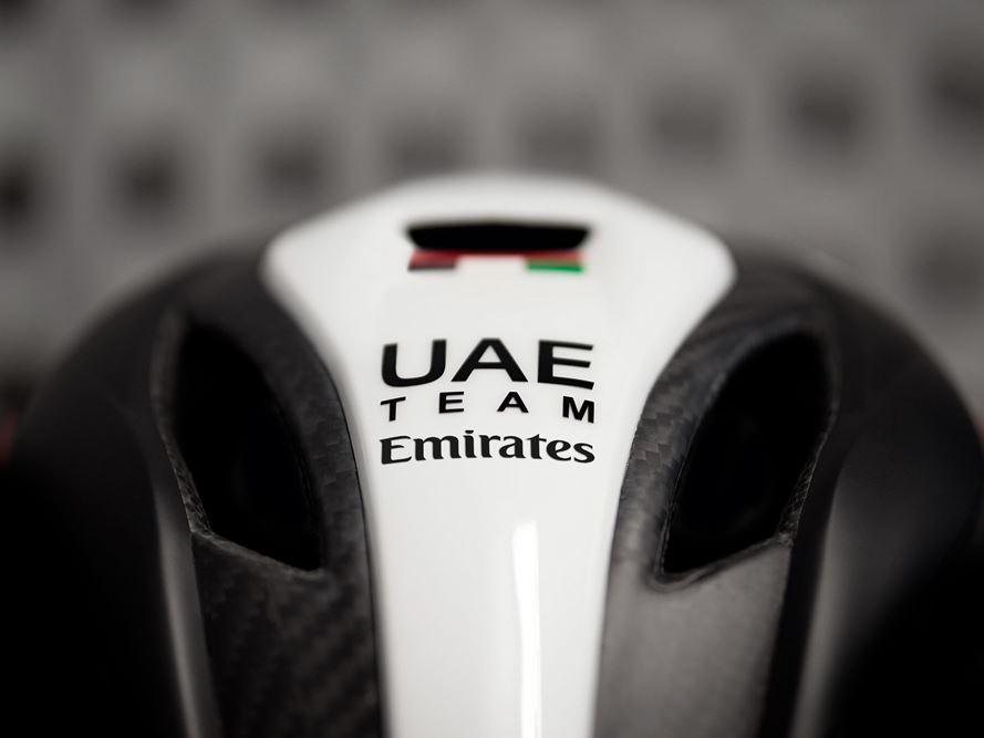 MET Trenta 3K Carbon UAE Team Emirates