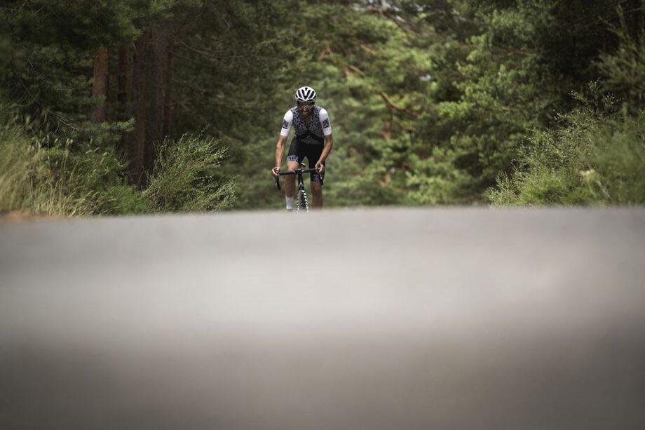 Alberto Contador completa o Desafio Everesting