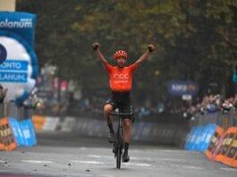Josef Cerny vence 19.ª etapa do Giro d'Italia marcada por protesto polémico do pelotão