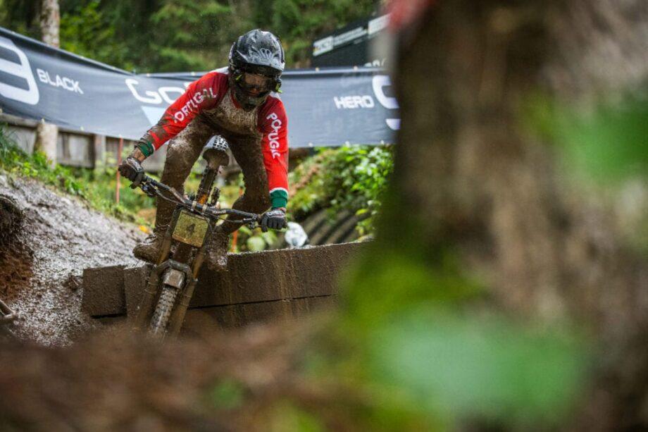 Jovem dupla portuguesa azarada nos Campeonatos do Mundo de Downhill