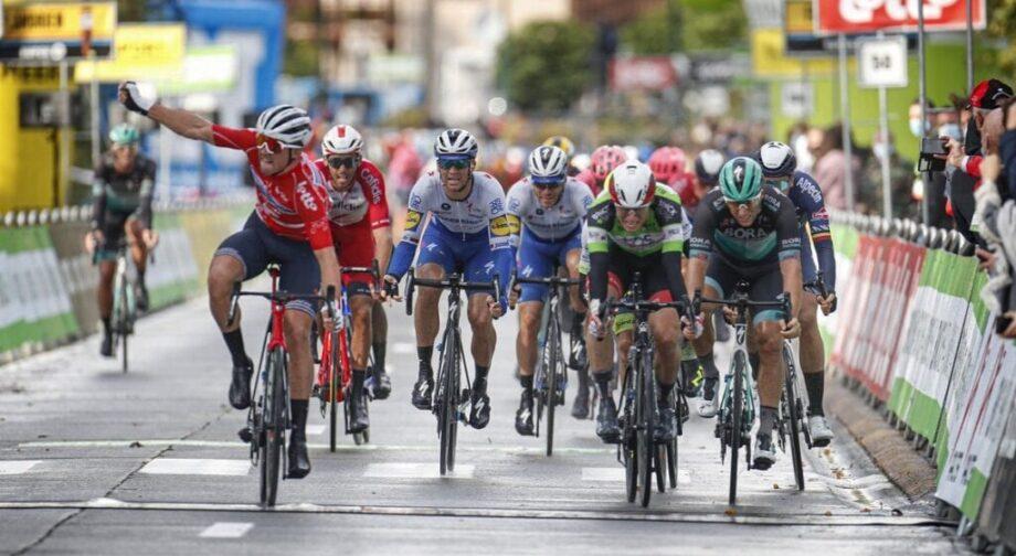 Mads Pedersen vence terceira etapa do Binckbank Tour e é o novo líder
