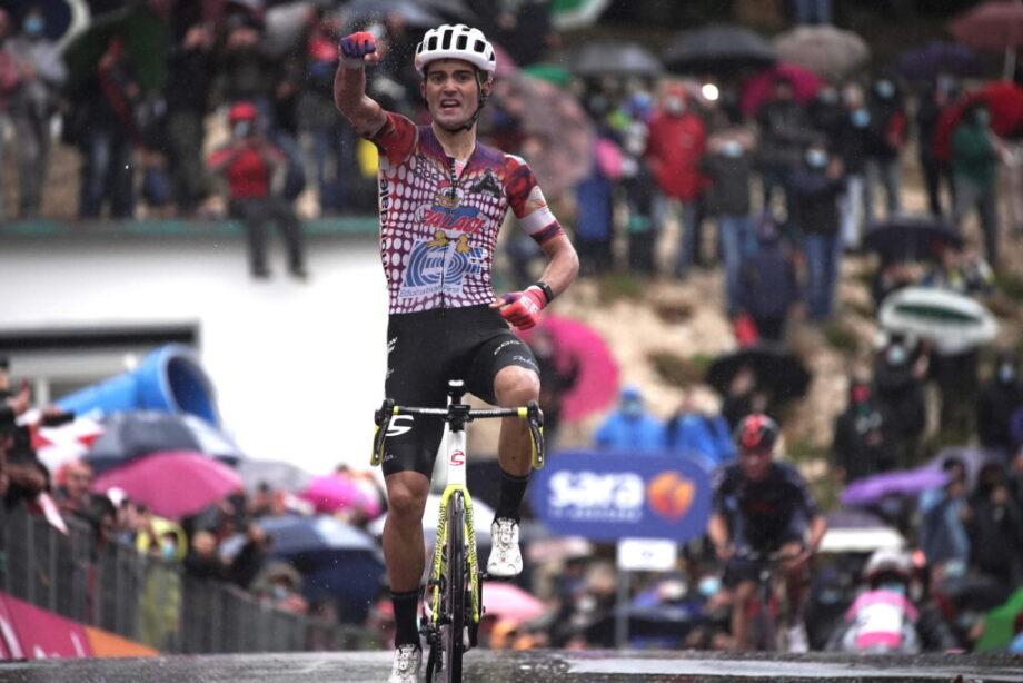 """Triunfo na nona etapa do Giro d'Italia """"significa muito"""" para Ruben Guerreiro"""
