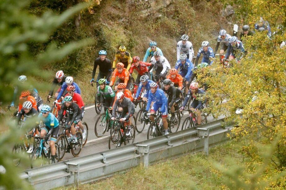 Rui Costa terceiro na sexta etapa, Richard Carapaz novo líder da Vuelta